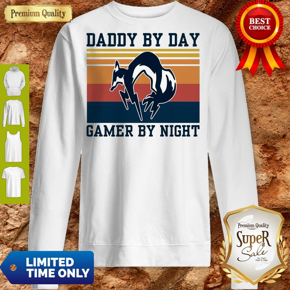 Nice Foxhound Daddy By Day Gamer By Night Vintage Sweatshirt