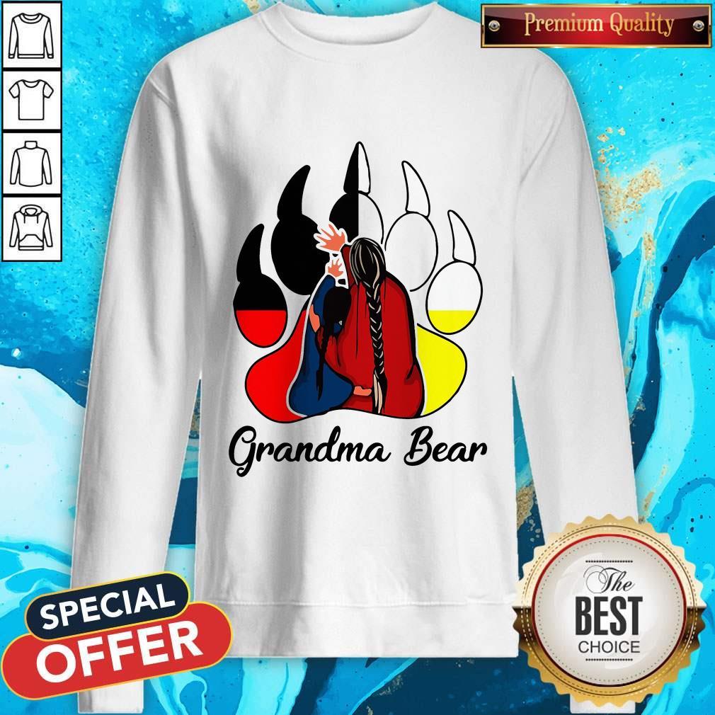 Funny Native Grandma Bear weatshirt