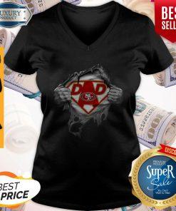 Nice Blood Inside Me Dad San Francisco 49ers Logo V-neck