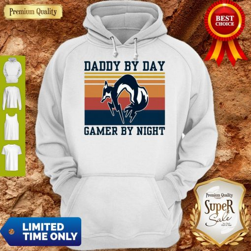Nice Foxhound Daddy By Day Gamer By Night Vintage Hoodie