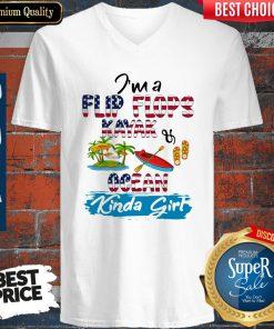 Nice I'm A Flip Flops Kayak Ocean Kinda Girl American Flag V-neck