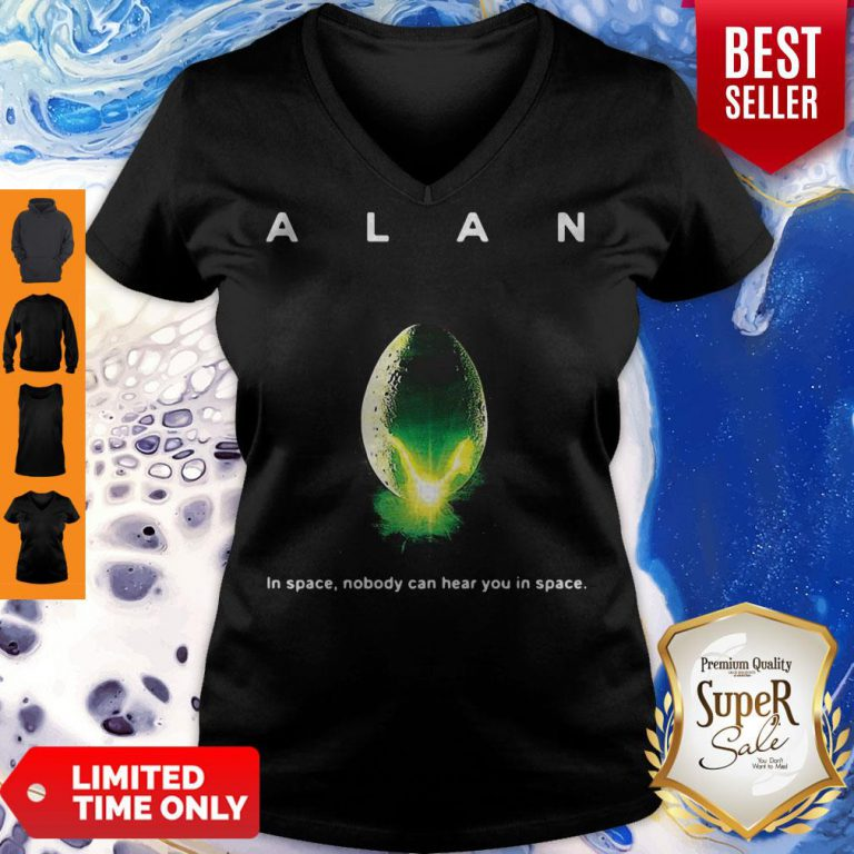 Top Alan Alien In Space Nobody Can Hear You In Space V-neck