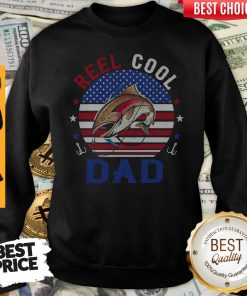 Top Reel Cool Dad Fishing American Flag Vintage Sweatshirt
