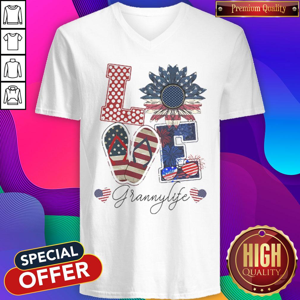 Love Grannylife Heart Flower American Flag Independence Day V- neck