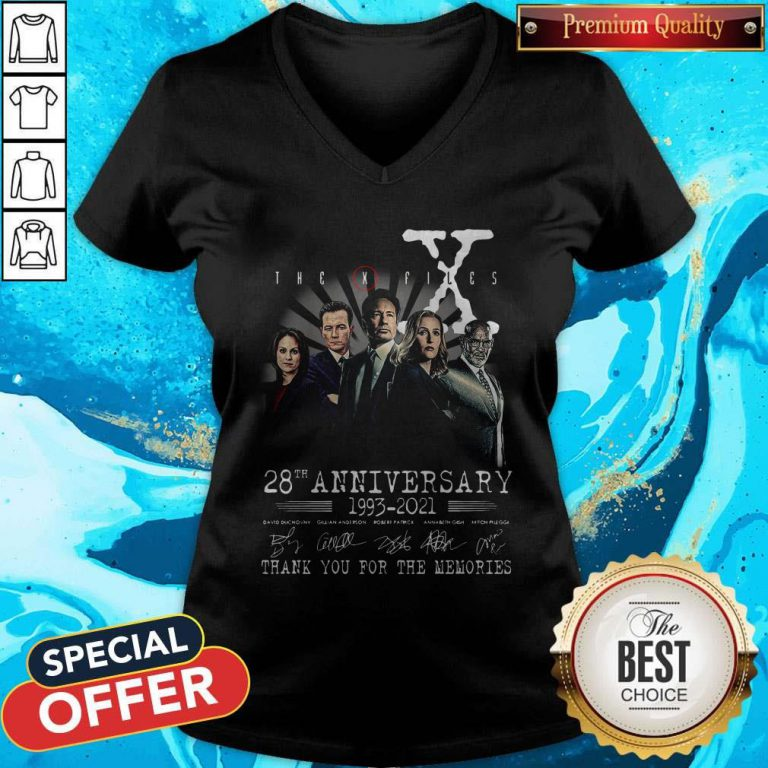 The X Files 28th Anniversary 1993 2021 Thank You For The Memories Signatures V- neck