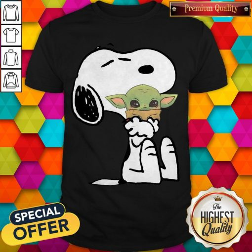 Good Snoopy Hug Baby Yoda Shirt