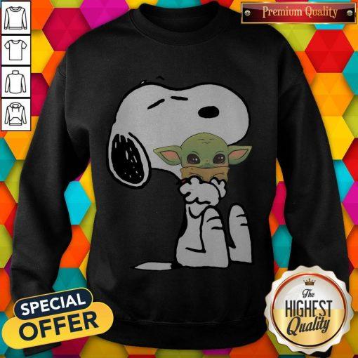 Good Snoopy Hug Baby Yoda weatshirt