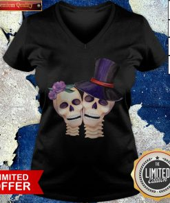 Funny Cute Smiling Couple Lover Skull Floral Roses And Leaf Dia De Muertos Day Dead Halloween V-neck