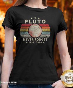 Never Forget Pluto Vintage T-V-neck