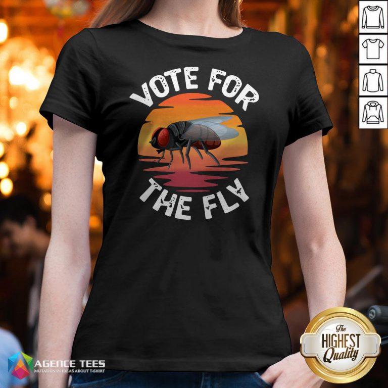 Vote For The Fly Trump 2020 V-neckVote For The Fly Trump 2020 V-neck