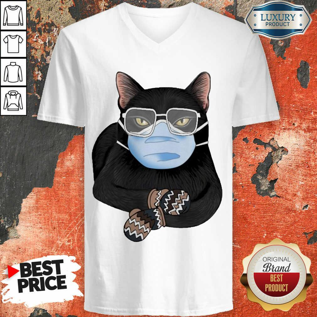 Cross Covid 19 Black Cat Face Mask 2021 V-neck - Design by Agencetees.com