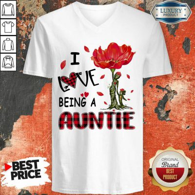 Red Flower I Love Being An Auntie V-neck